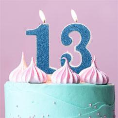 Suministros de fiesta de cumpleaños 13