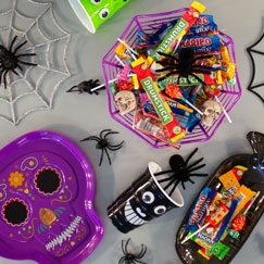Halloween Serveware & Drinkware