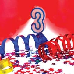 Suministros de la tercera fiesta de cumpleaños