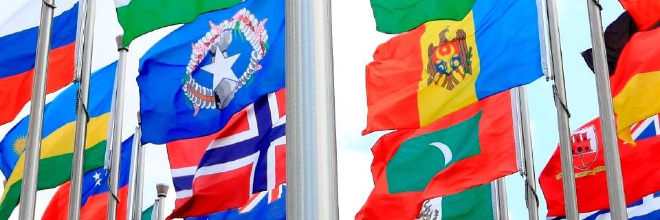Banderas internacionales y empavesado