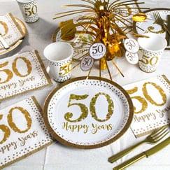 Fuentes chispeantes de la fiesta de aniversario de oro