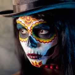 Maquillaje y laca de Halloween