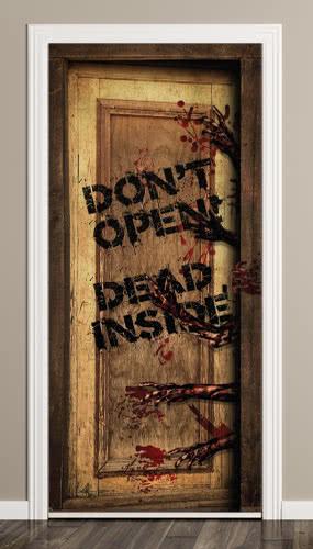 Muerto Dentro Halloween Puerta Cubierta PVC Fiesta Sign Decoración 66cm x 152cm