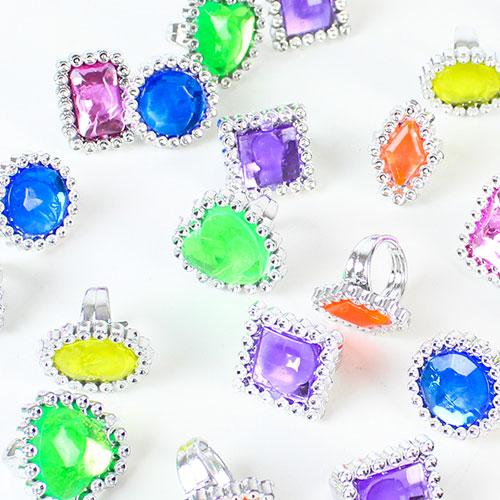 Fabulosos Anillos De Gema De Plástico - Paquete de 24