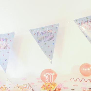 18TH Cumpleaños Fiesta Empavesado Bandera Rosa Holográfico 11 banderas 3.9 M