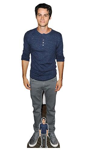 Dylan O'Brien Camisa Azul Con Recorte De Cartón De Tamaño Natural 181Cm